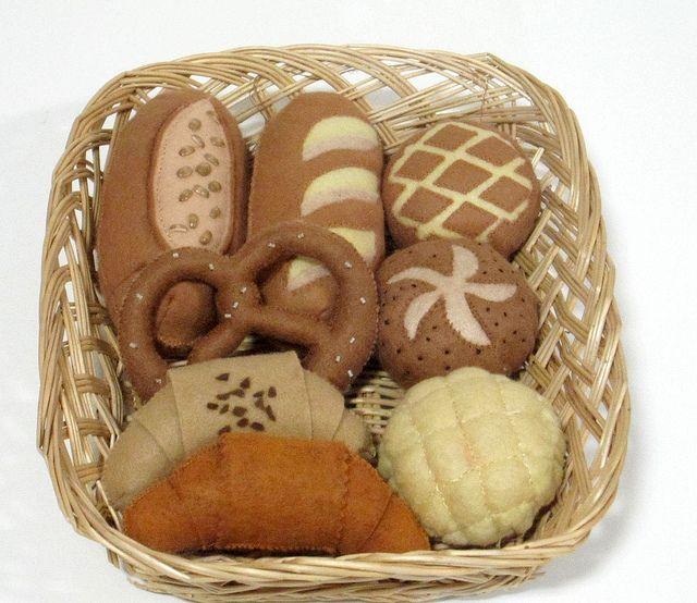 Handmade felt bread by OrangeZoo, via Flickr