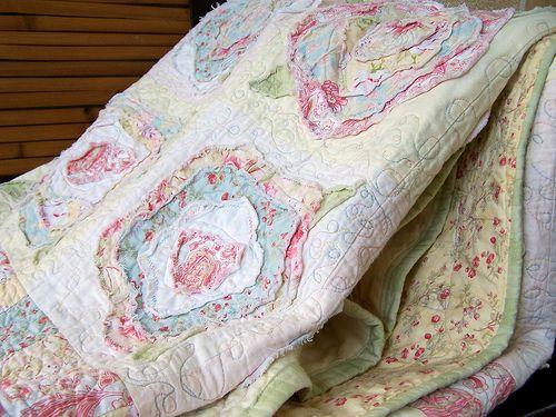 French Rose Quilt aquí lo bello son las telas!