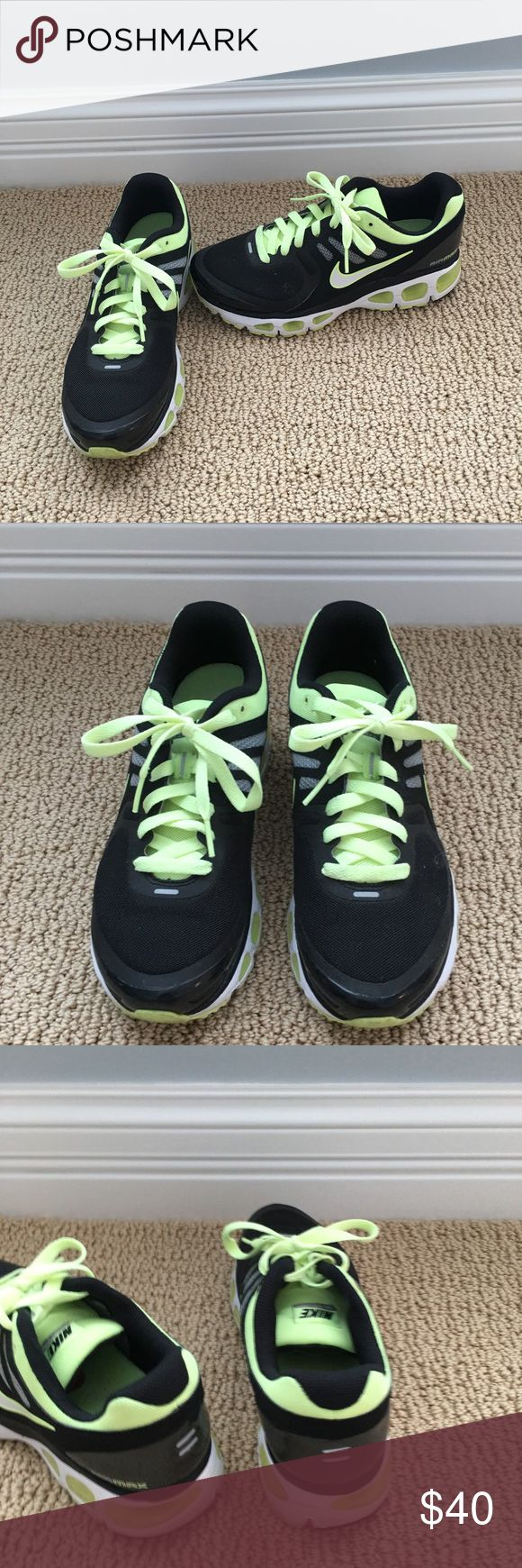 Women's Nike shoes size 8 Women's Nike air shoes size 8. Great condition! Nike Shoes Athletic Shoes