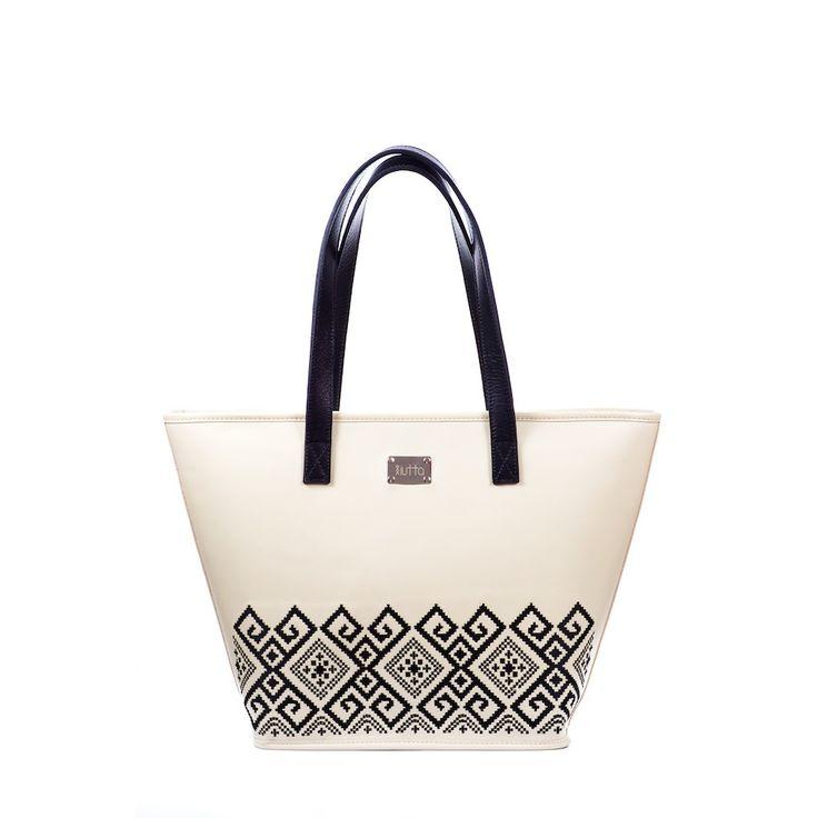 #iutta #bag #iuttabags #dorderomanesc #traditonal #leather #embroidery #motif  #dordemoldova #black #white #longing #romania #folklore #folkart #art