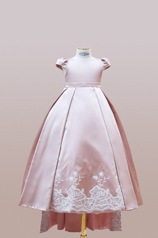 #handmade #embroidery. #couture #hautecouture #kids #dress #luxury #exclusive #limited #highfashion #fashion #Bibiona #lace