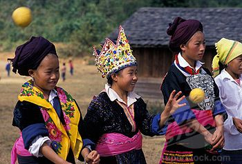Dating Hmong Women