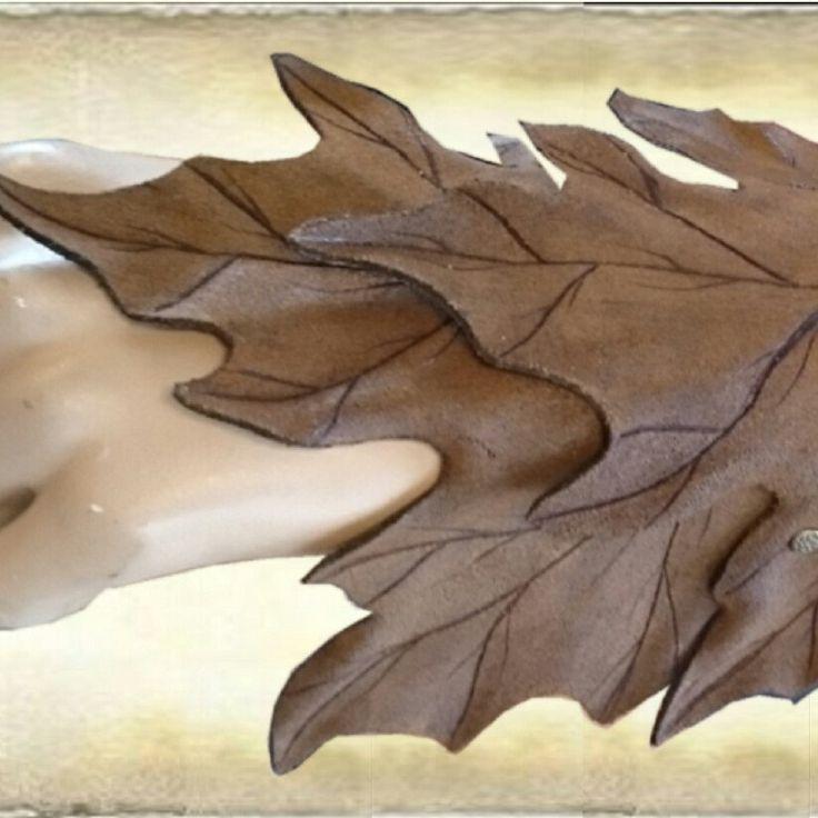 Maple leaf leather armguard