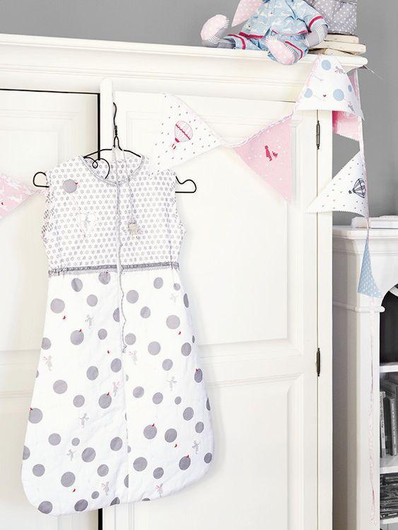 DIY-Anleitung: Babyschlafsack aus zwei Stoffen nähen via DaWanda.com