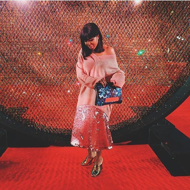 About last night ✨  @mercedesfbenson combines knits and sequins for a stunning #redcarpet look at the #britishfashionawards   #fblogger #sequins #textures #ootn #BFAs #BritishFashion #style #fashion #style #blogger #influencer