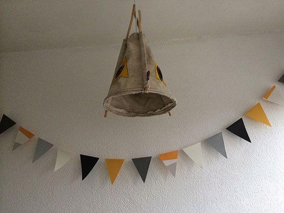 vlaggetjeslijn, slinger, vlaggenlijn, maken, stof, papier, behang, zelf, naaien, plakken, knippen, how to, diy, do it yourself, knutselen, t...