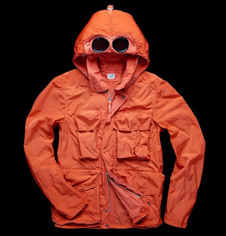 Goggles/reflective nylon/pockets/breast pockets/removable hood/garment-dyed