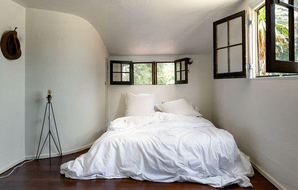 25 Chic And Serene Green Bedroom Ideas: Best 25+ Serene Bedroom Ideas On Pinterest