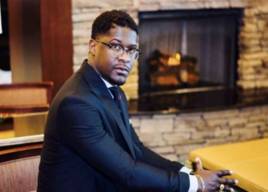 La Gaceta Cristiana: Pastor y cantante Shawn Jones muere mientras canta...