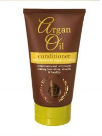 £0.99 - Argan Oil Shampoo has been specially formulated to provide intense conditioning to rejuvenate & rehydrate all hair types. The special conditioning agents used in this formula will help moisturise & impart softness for healthy, manageable results.