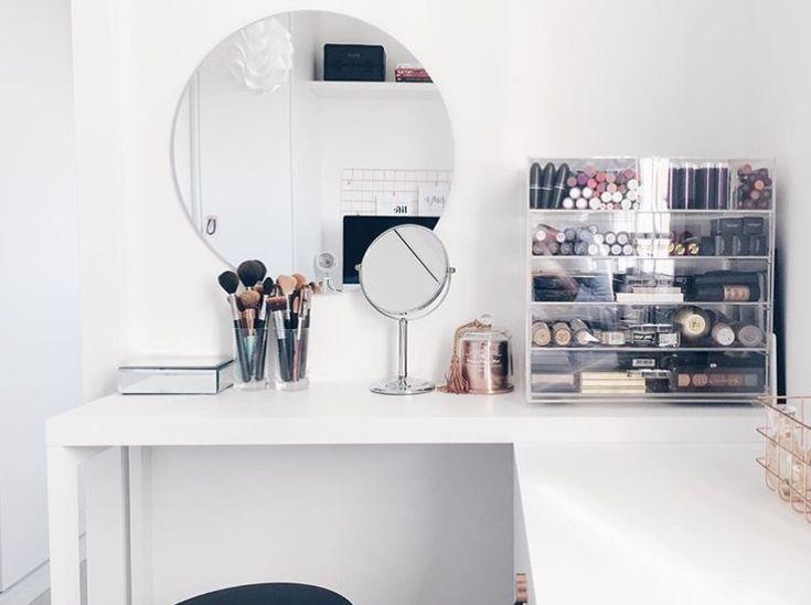 Apartamento da youtuber Raiza Nicácio, com decoração em estilo escandinavo…
