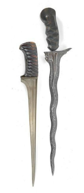 A mixed lot (2 pieces): Afghanistan, Bali.  1) A so-called 'Khyber knife', as used by the Pashtun (or Pathan) tribes in the area of the Khyber Pass in the border region between eastern Afghanistan and the Northwest Frontier Province of Pakistan. 2) A kris dagger from Bali, Indonesia: with typical beautiful pamor (forged from several metal layers) and wavy blade (7 'waves'). Wooden handle, coloured black, in typical Balinese abstract form ('Cecekahan'). 1st third of the 20th century,