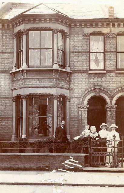 Edwardian terrace house by lovedaylemon, via Flickr