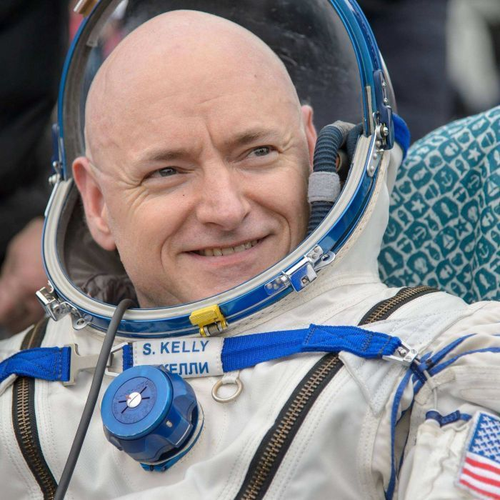 Scott Kelly: Astronaut touches down on Earth after almost a year in space - ABC News (Australian Broadcasting Corporation)