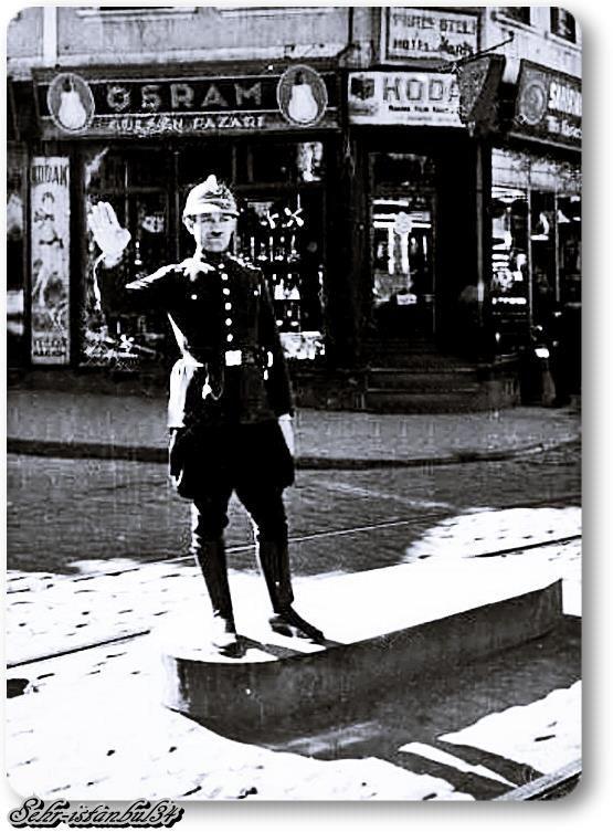 Trafik Polisi  Istanbul  Sirkeci - 1930
