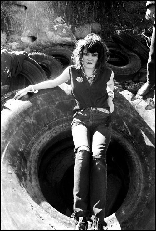 blueblackdream: Ruby Ray, Exene Cervenka, ca. 1980