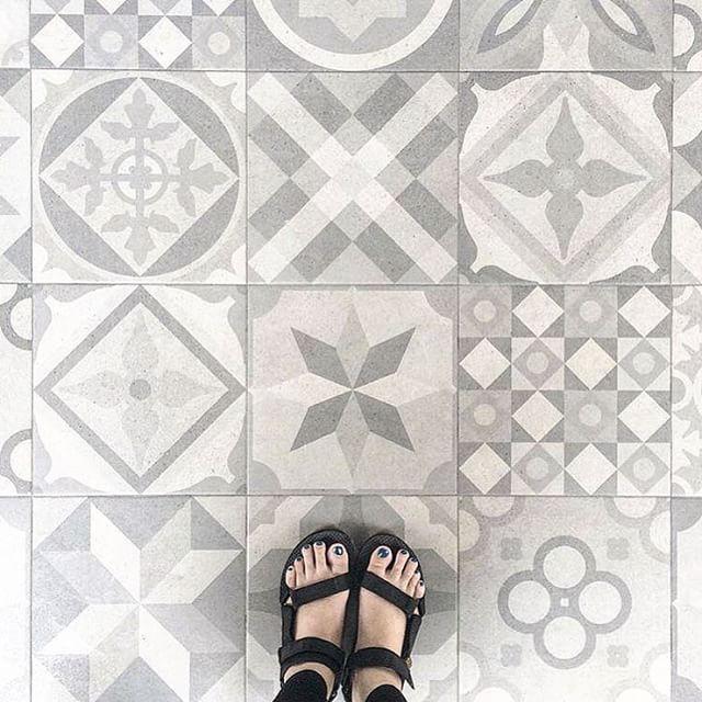 51 beste afbeeldingen over gang hal trap op pinterest for Azulejos vives