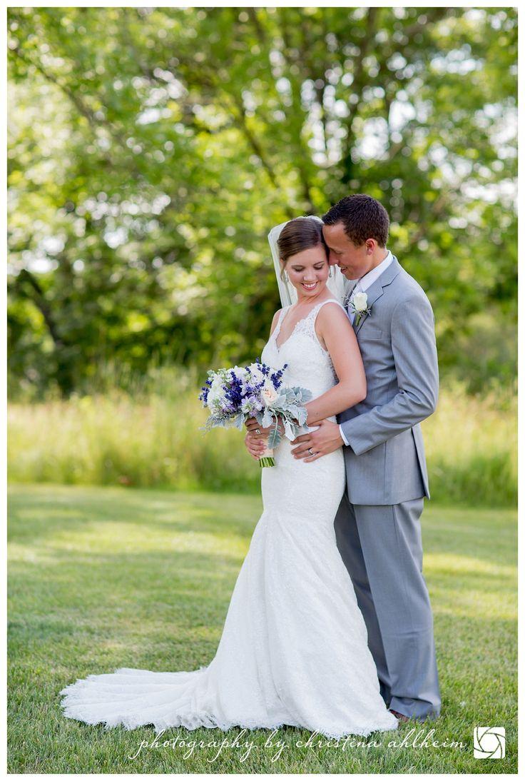 ©Christina Ahlheim | Charisma Photography Wedding Photographer | Innsbrook Resort | Innsbrook Weddings | Wright City Wedding Photographer | #innsbrookresort #innsbrookweddingphotographer #innsbrookweddings #stlweddings #stlweddingphotographer #saintlouisweddings #stlouisweddings