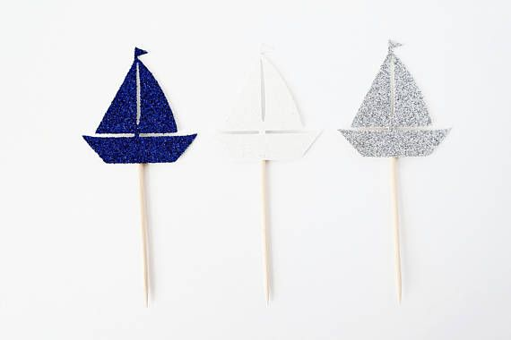 This listing is for a set of 12 sailboat cupcake toppers. The Standard color option includes four sailboat toppers in navy, four sailboat toppers in white, and four sailboat toppers in silver (as shown in the picture). If you would like a different color scheme, please select the Custom color option. In the Notes to Seller please let me know what colors you would like and how many of each color. If you select 1, 2, 3, 4, or 6 colors, I will automatically make even numbers of each color…