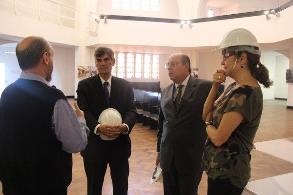 Vereador Ari Friedenbach visita obras do Museu Judaico de São Paulo.