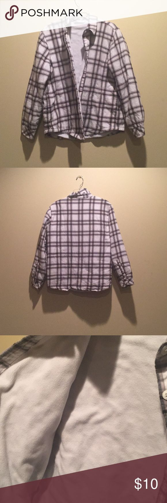 Plaid women's button up jacket Lined in fleece Designed for cold weather and staying warm Button up  Rarely worn  Great condition Riders by Lee Jackets & Coats