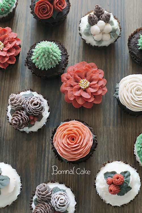 I love the pinecones, cotton, and berries!