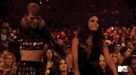 Taylor Swift and Selena Gomez dance to The Weeknd's performance at the 2015 Video Music Awards