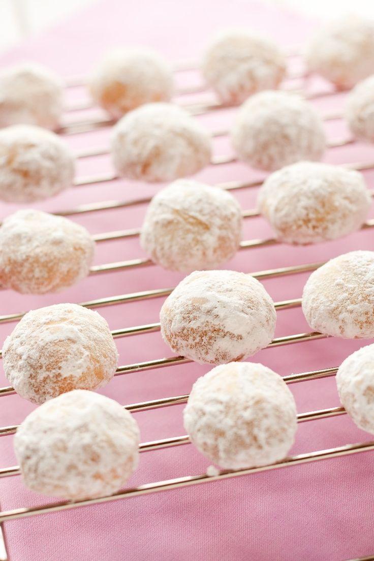Almond Italian Wedding Cookies Recipe