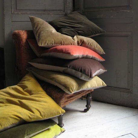 Floor Pillows Anthropologie : 439 best images about Cushion Corner on Pinterest Velvet, Linen pillows and Floor cushions