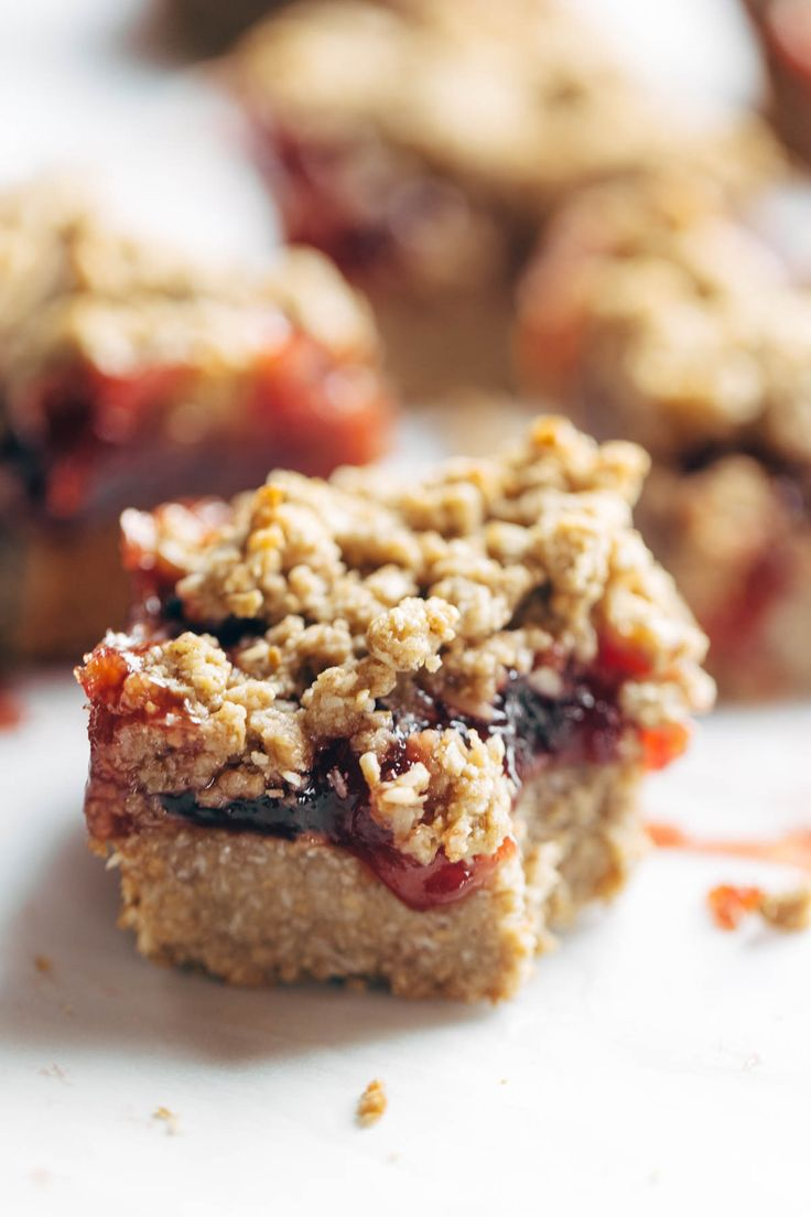 Bares morango aveia Crumble - vegan bares simples sobremesa / lanche ...