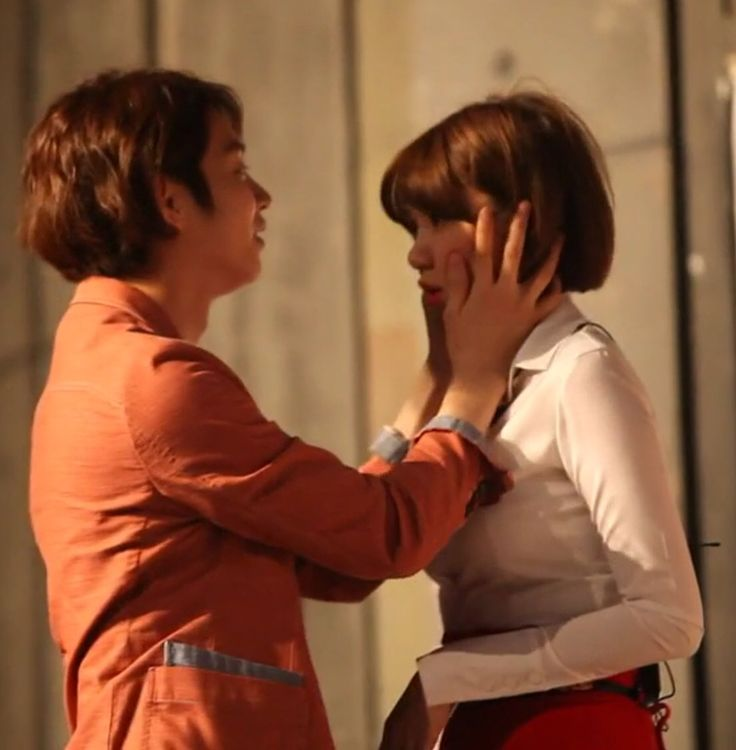 Heechul gives puff a kiss on the forehead | Lorna's Eon-ni / Noona's ... | 736 x 750 jpeg 50kB