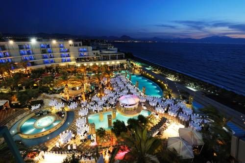 Club Hotel Casino Loutraki (*****) LEONART GATHIRU has just reviewed the hotel Club Hotel Casino Loutraki in Loutráki - Greece #Hotel #Loutráki