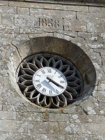 *Church Clock - Guennho Brittany