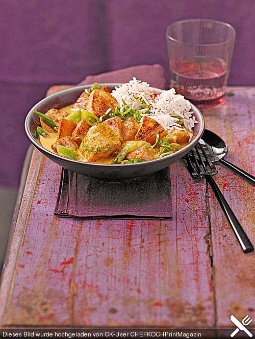 Hähnchen - Ananas - Curry mit Reis. Minus dem Haehnchen...dafuer mit Zwiebeln, Pilzen, roter Paprika und Zucchini...war super lecker