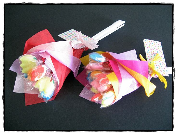 Lief boeketje voor juf! https://www.zelftraktatiesmaken.nl/a-48115030/voor-juf/boeket-met-tulpen/