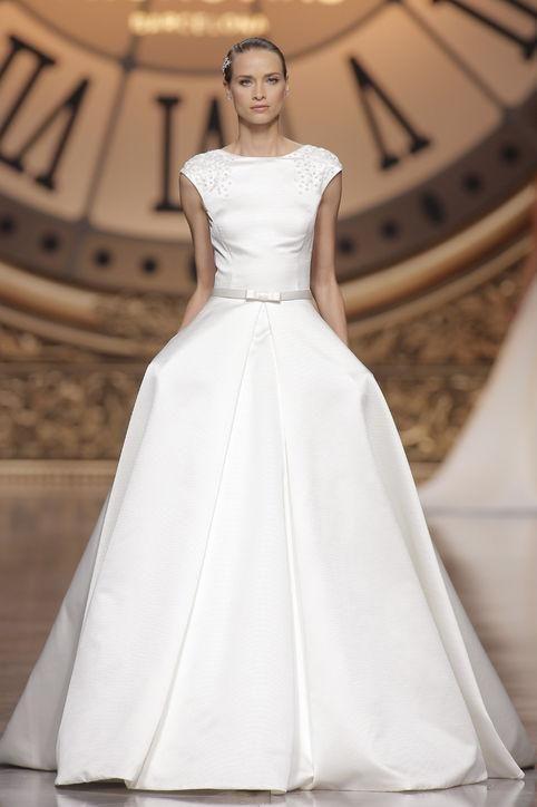 Pronovias cap-sleeve classic wedding dress