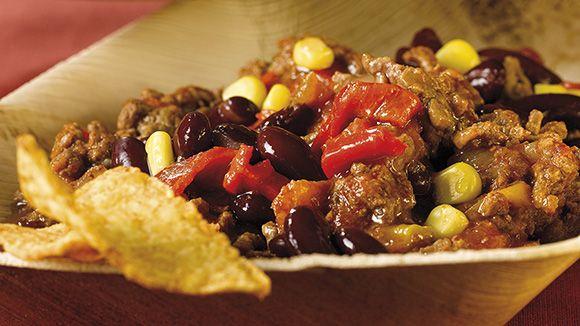 Chili con carne, recette traditionnelle sud-américaine pour 4 personnes. Prête en seulement une heure. Découvrez cette recette savoureuse dès maintenant!