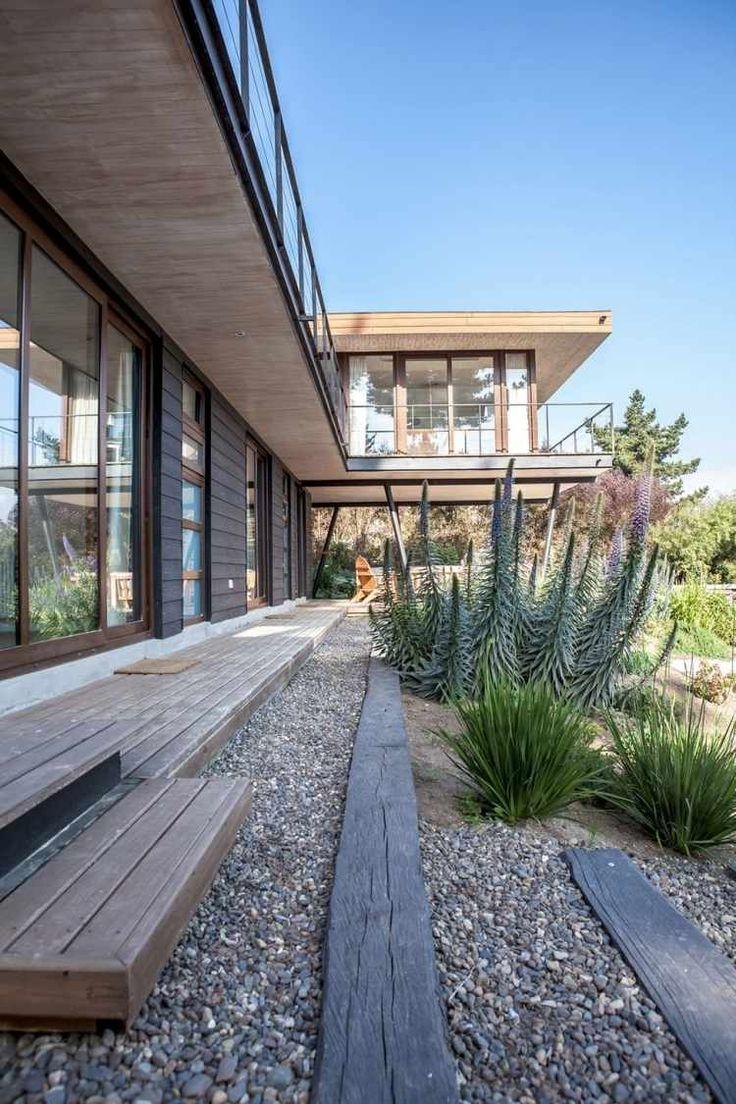 terrasse en bois décorée de gravier décoratif