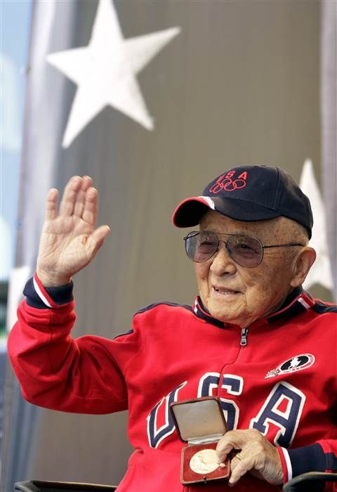 (340) Twitter - Sammy Lee, first Asian American to win Olympics gold, dies at 96 http://nbcnews.to/2gEWYRE  via @NBCAsianAmerica