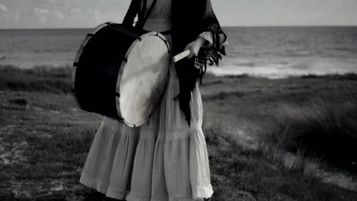 """Cecile Corbel - """"La Fille Damnee"""""""