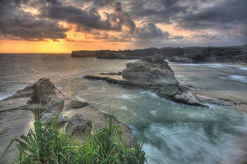 Sunset at Klayar Beach    Pacitan, Jawa Timur, Indonesia