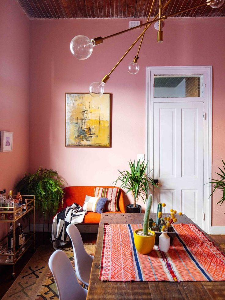 Vibrant New Orleans Home Filled with Vintage Decor/ SEE MORE: http://vintageindustrialstyle.com/vibrant-new-orleans-home-filled-vintage-decor/