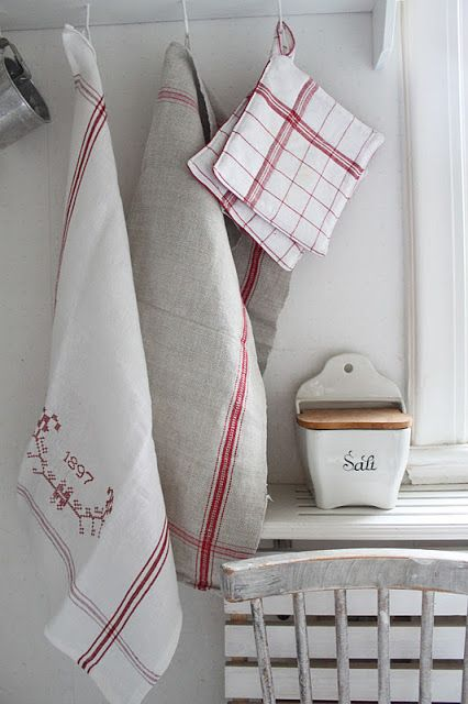 Grain Sack Kitchen Towels  | Friday Favorites at www.andersonandgrant.com