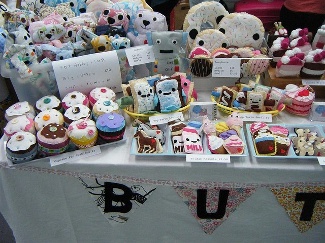 Artworks Craft Market First Thursday 6th Aug 2009 |2 by giantbutton, via Flickr