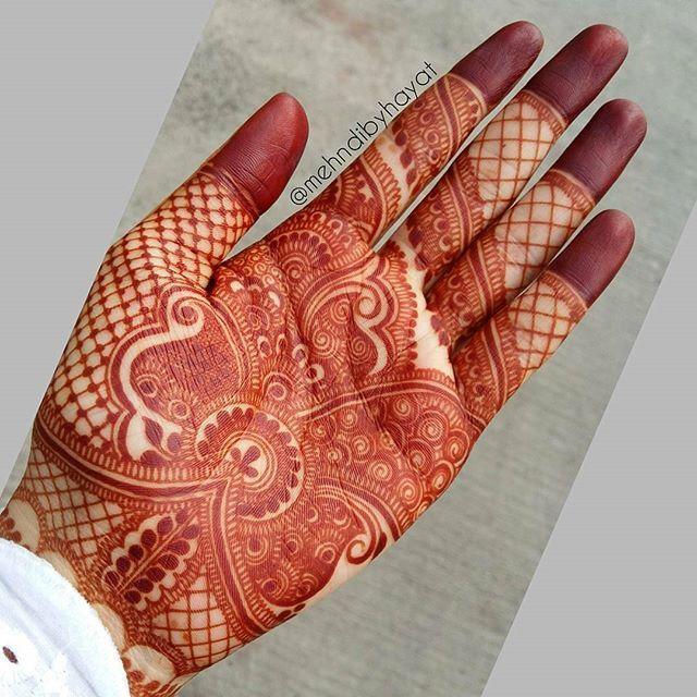 Beautifully detailed Henna inspiration by Nashwah Khan #IndiagramWedding ➖➖➖➖➖ /Henna by @mehndibyhayat