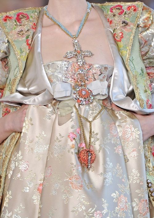 love the jewelry    Christian Lacroix Fall 2008 Haute-Couture Runway Details