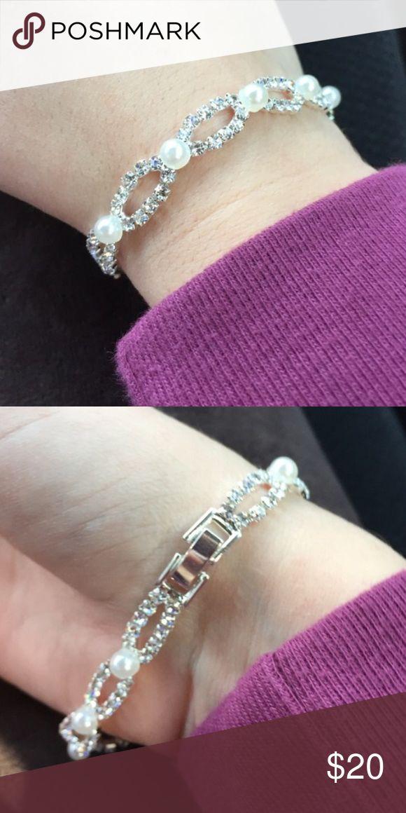 💜✨😬Pearl/Diamond Bracelet😊✨💗 🎉💫Charming Charlie, Brand New💫🎉 Charming Charlie Jewelry Bracelets