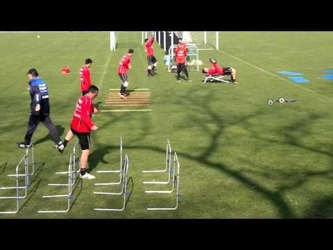 Eintracht Frankfurt brutales Training Roland Koch 28.03.2011 - YouTube