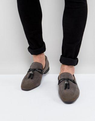 ASOS – Graue Loafer aus Wildlederimitat mit Quaste