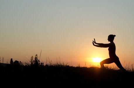 Nata in #Cina come tecnica di combattimento, è oggi conosciuta come un tipo di attività fisica che migliora la postura e permette di concentrare le forze.   Scopri i nostri #consigli: http://www.dimmidisi.it/it/dimmicomefai/stare_in_forma/article/tai_chi_chuan_per_raccogliere_land8217energia.htm - #dimmidisi #benessere #salute #fitness